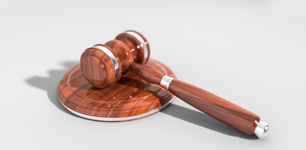 7 Ways to Help Someone Undergoing a Legal Battle