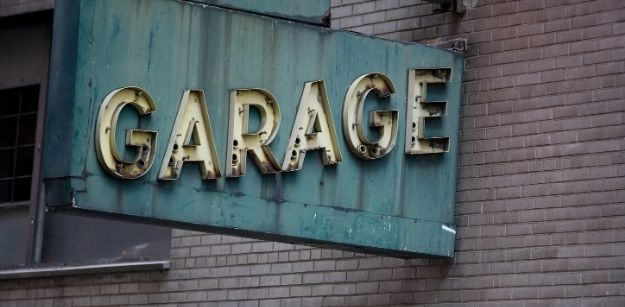 Should I Choose One Double Door or Two Single Doors For My Garage
