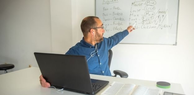 How to Start a Part-Time Online Teaching Job Today