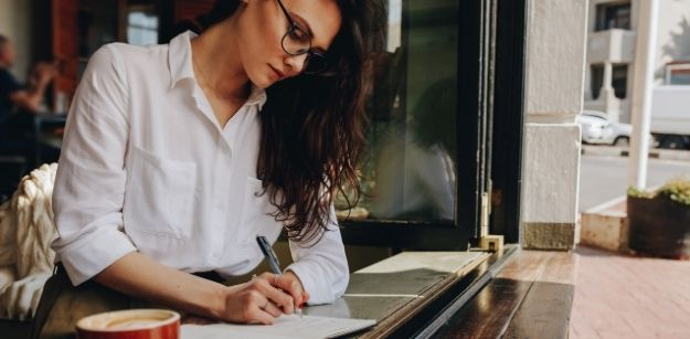 12 Amazing Benefits of Being a Writer