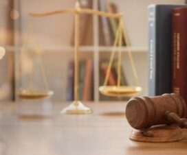 Lawyer Versus Law Firm: Which is The Better Option to Hire in 2021