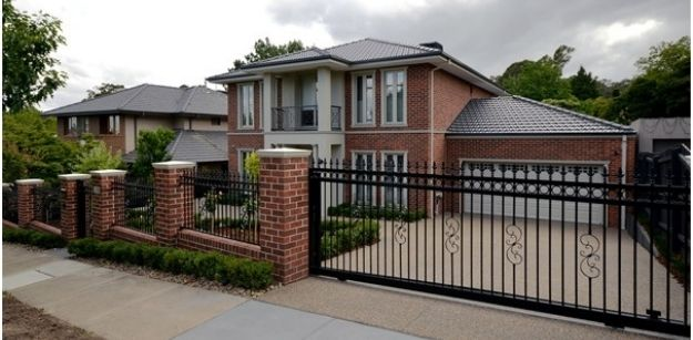 Selecting the Best Automatic Gates For Your Property